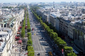Most-famous-streets-in-the-world-Champs-Elysees
